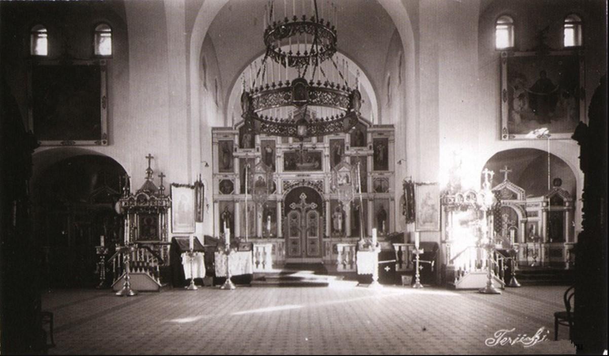 Русская церковь.Иконостас. 1910-е