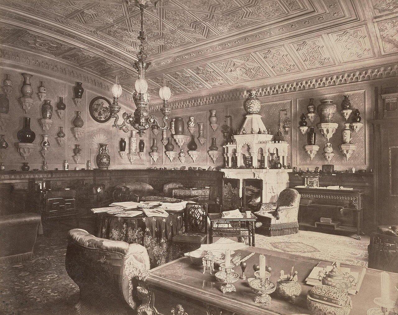 Кабинет на первом этаже дома А.А. Половцева на Большой Морской улице