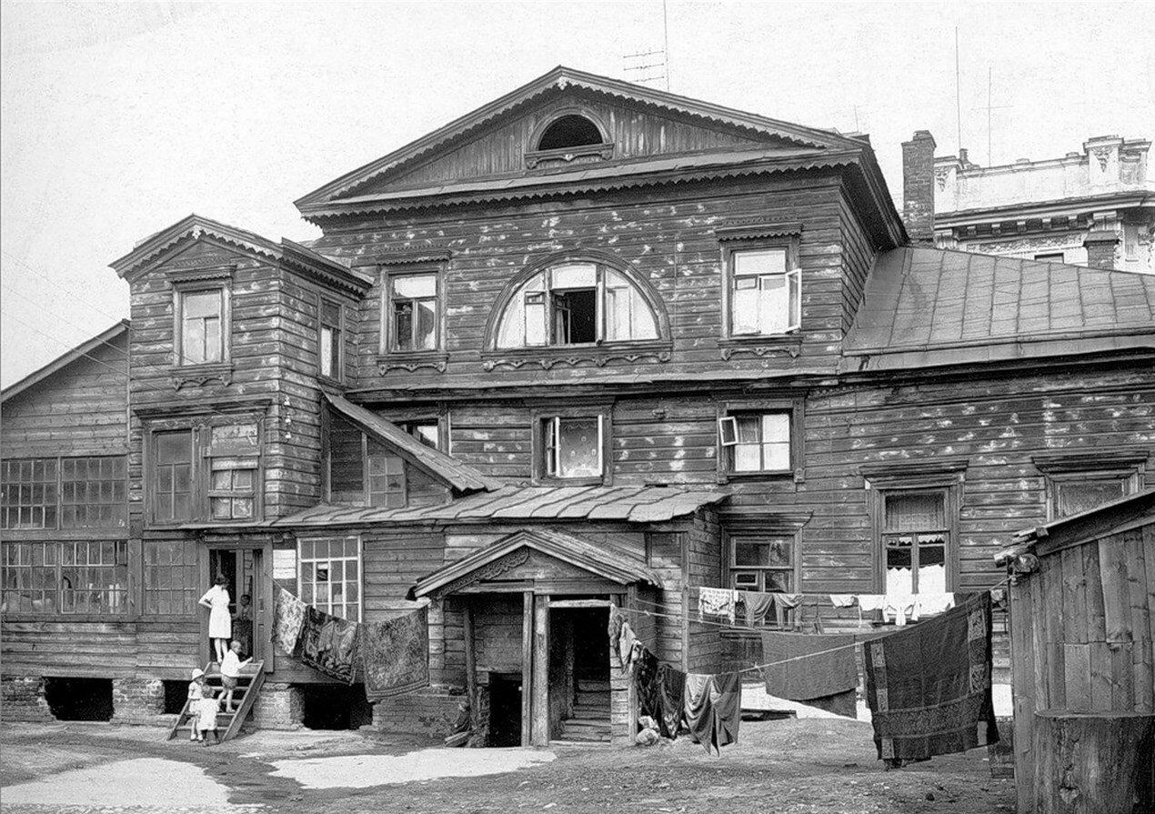 1930-е. Дом Хвостовых (Чибисовых) у Покровских ворот