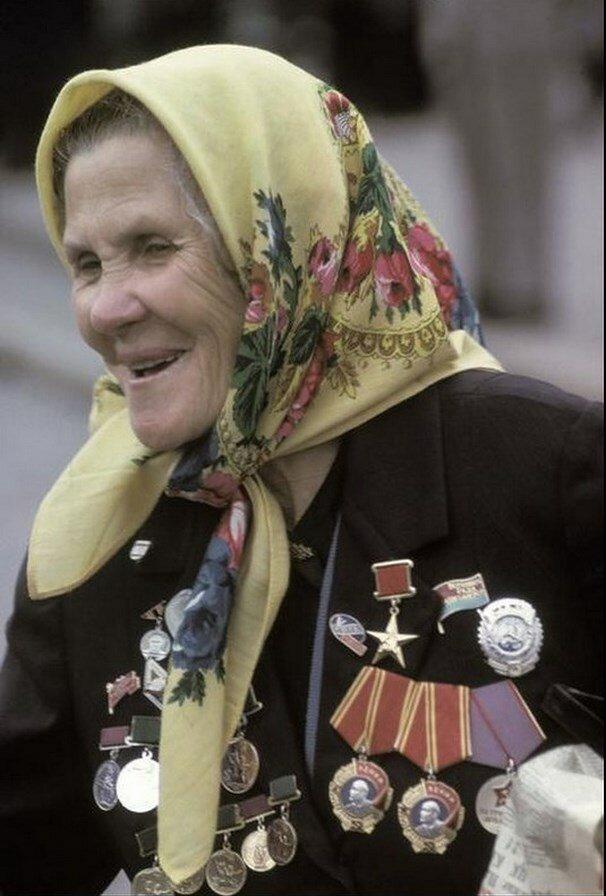 Москва. Героиня Соцтруда , Надежда Заглада, украинская колхозница, обязательная персона на важных мероприятиях и конгрессах