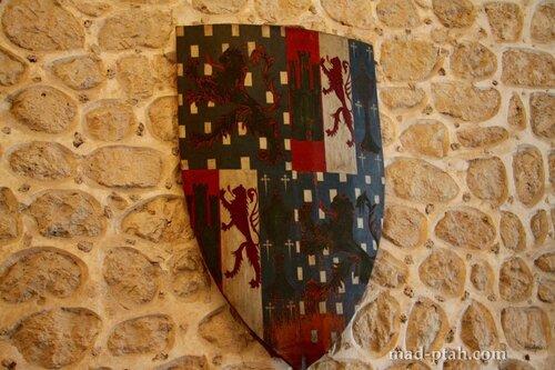 сеговия, испания, рыцарский щит, алькасар в сеговии