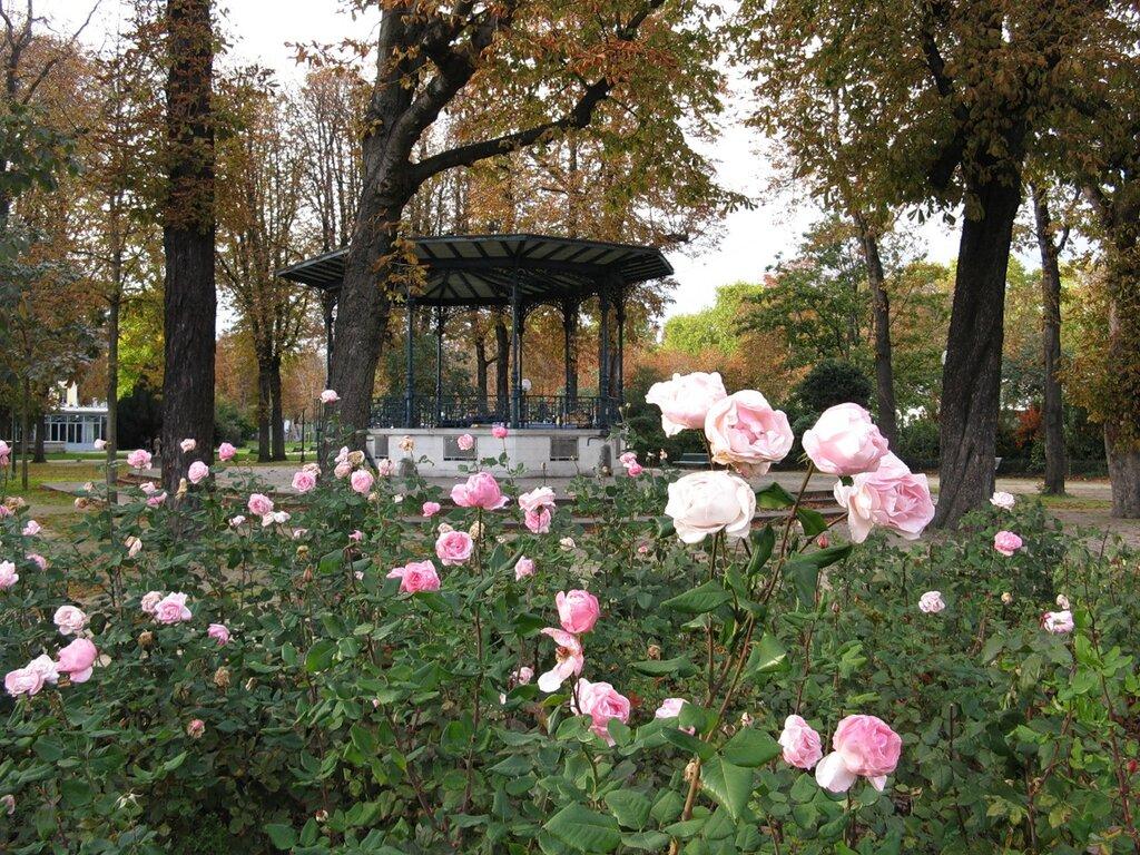 Музыкальная веранда Елисейского сада (Kiosque des Champs-Elysées), Париж