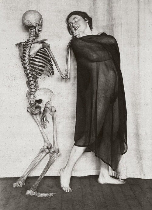 by Franz Fiedler, c. 1922.The skeleton and the woman
