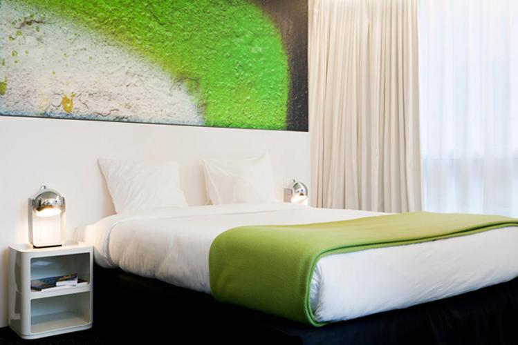 Pantone Hotel0.jpg