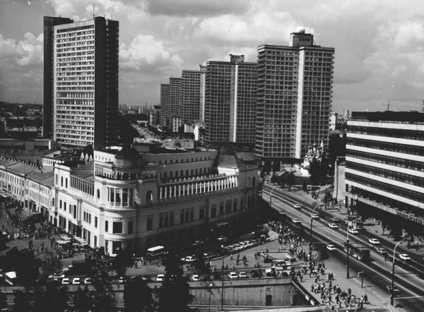 Проспект Калинина. Автор Егоров Василий, 1987.jpg
