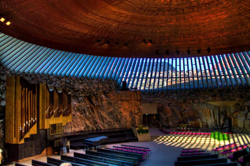 Темппелиаукио. Церковь внутри гранитной скалы в Хельсинки
