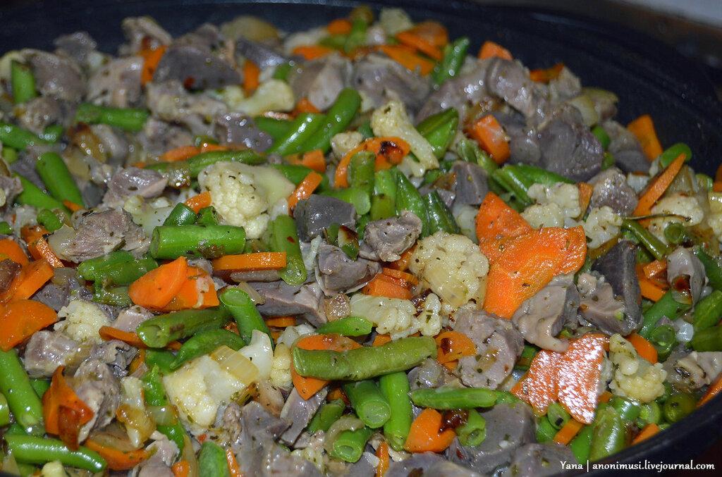 Желудки куриные и утиные с овощами