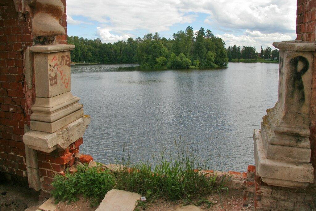 Марфино, Вид на пруд с моста
