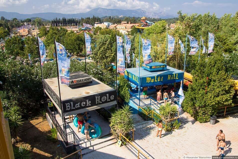 Аттракционы Black Hole и Multi Hill в аквапарке Aqualand Corfu