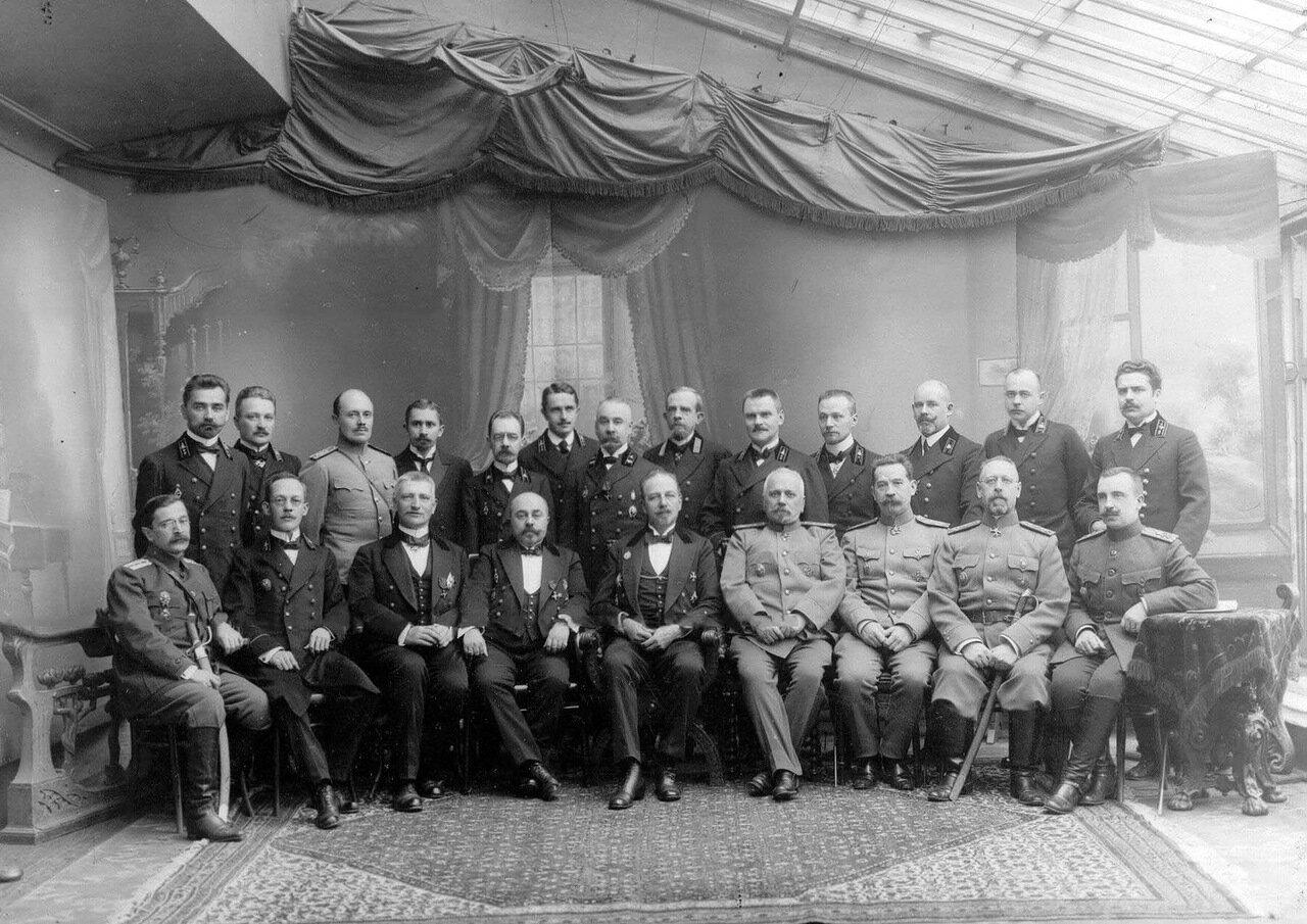02. Группа администрации фабрики. 1916