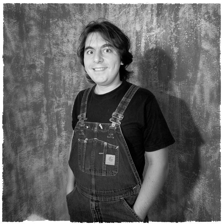 Черно-белый портрет в студии фотографа Кузьмина. Фотосъемка блогеров
