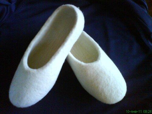 Снимают усталость ног.  Тапочки экологически чистые.  Процесс создания от стрижки овец до отделки - ручной.