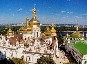 Успенский собор и трапезная церковь Киево-Печерской лавры