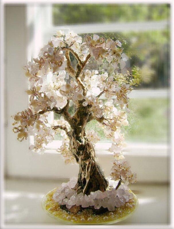 Тем более, что жемчужные деревья считаются приносящими счастье.  Деревья из жемчуга.
