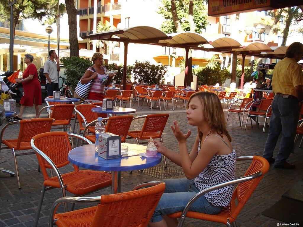 Italia-Rimini-2007. В кафе.
