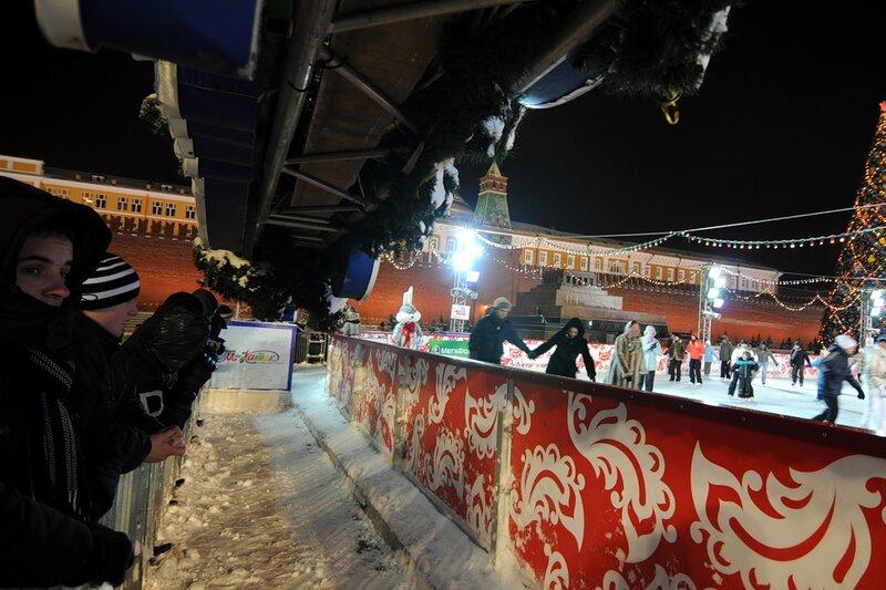 Красная площадь за несколько часов до нового года
