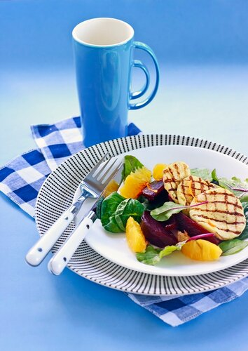 Beetroot, orange and grilled halloumi salad