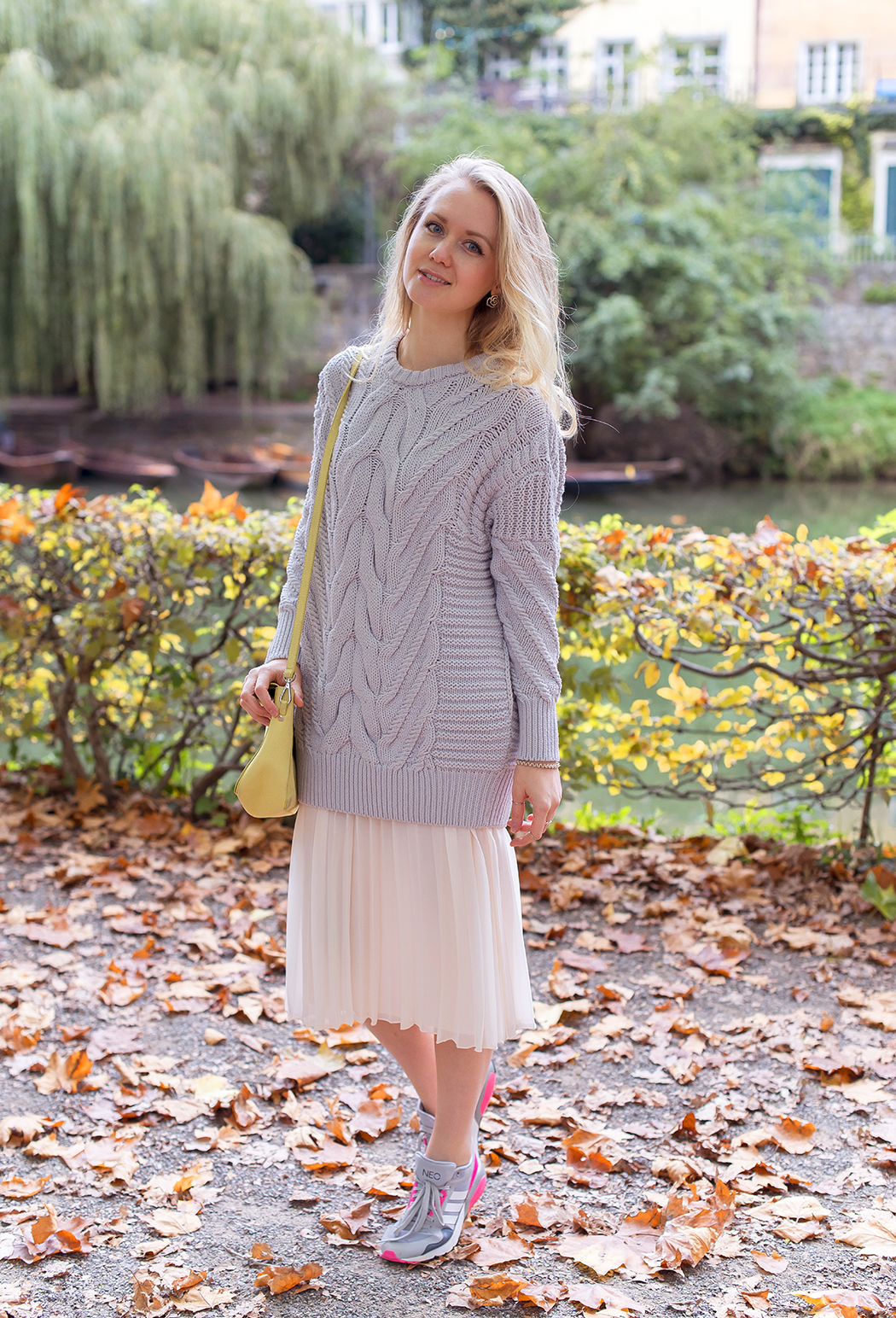 inspiration, streetstyle, summer outfit, summer streetstyle, autumn outfit, knitted sweater, oversize sweater, annamidday, top fashion blogger, top russian fashion blogger, stefanel, фэшн блогер, русский блогер, известный блогер, топовый блогер, russian bloger, top russian blogger, streetfashion, russian fashion blogger, blogger, fashion, style, fashionista, модный блогер, российский блогер, ТОП блогер, ootd, lookoftheday, look, популярный блогер, российский модный блогер, annamidday, top russian blogger, autumn look,  russian girl, marc cain, с чем носить кроссовки, творческая девушка, girly, forever21, how to wear sweater, вязаный свитер, с чем носить свитер, с чем носить юбку, юбка с кроссовками,  красивая девушка, русская девушка, fashion week