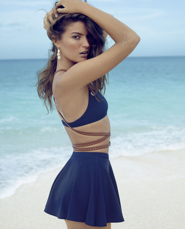 Cameron-russell-by-miguel-reveriego-for-vogue-spain-june-2015