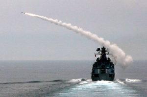 В ходе учений корабли ТОФ отразили воздушную атаку противника