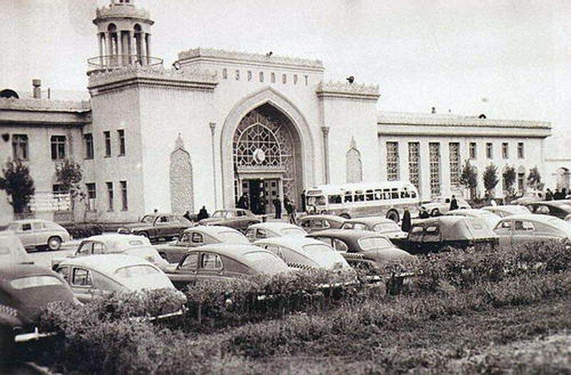 Алматинский аэропорт. Фотография 50-60 годов.