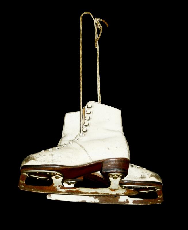 mzimm_snowflurries_ice_skates_sh.png