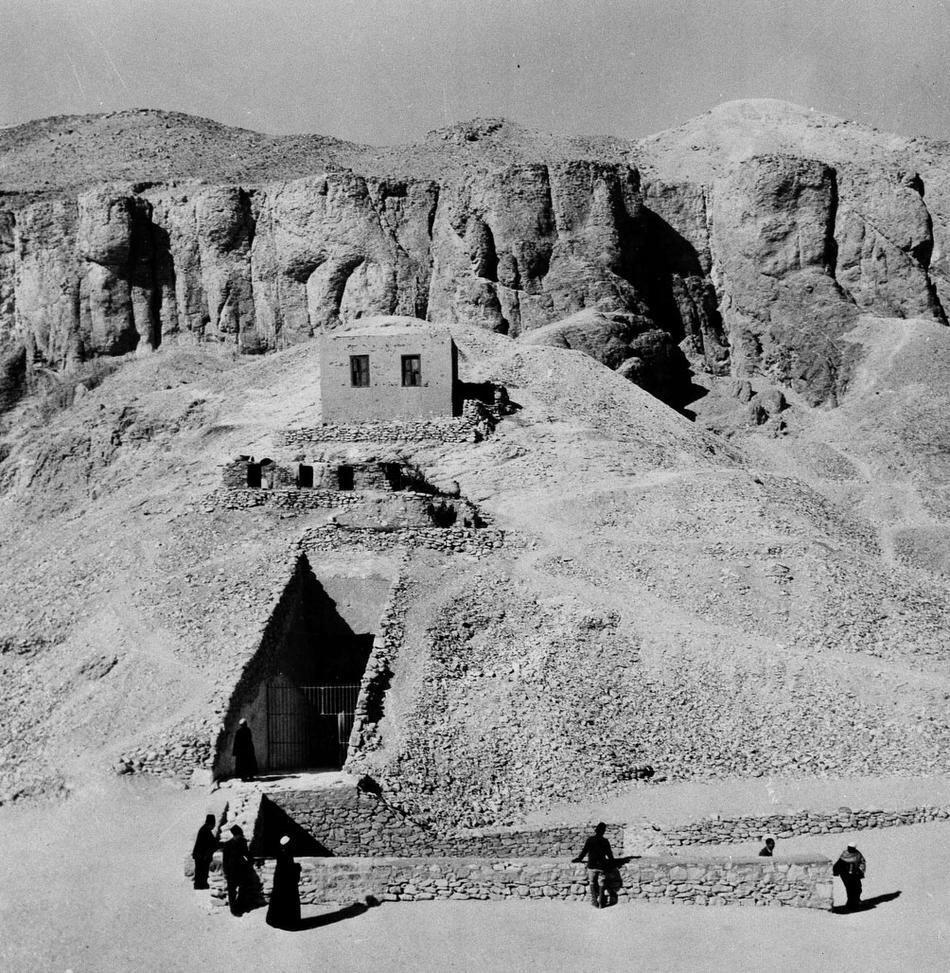 Вход в гробницу. 1950