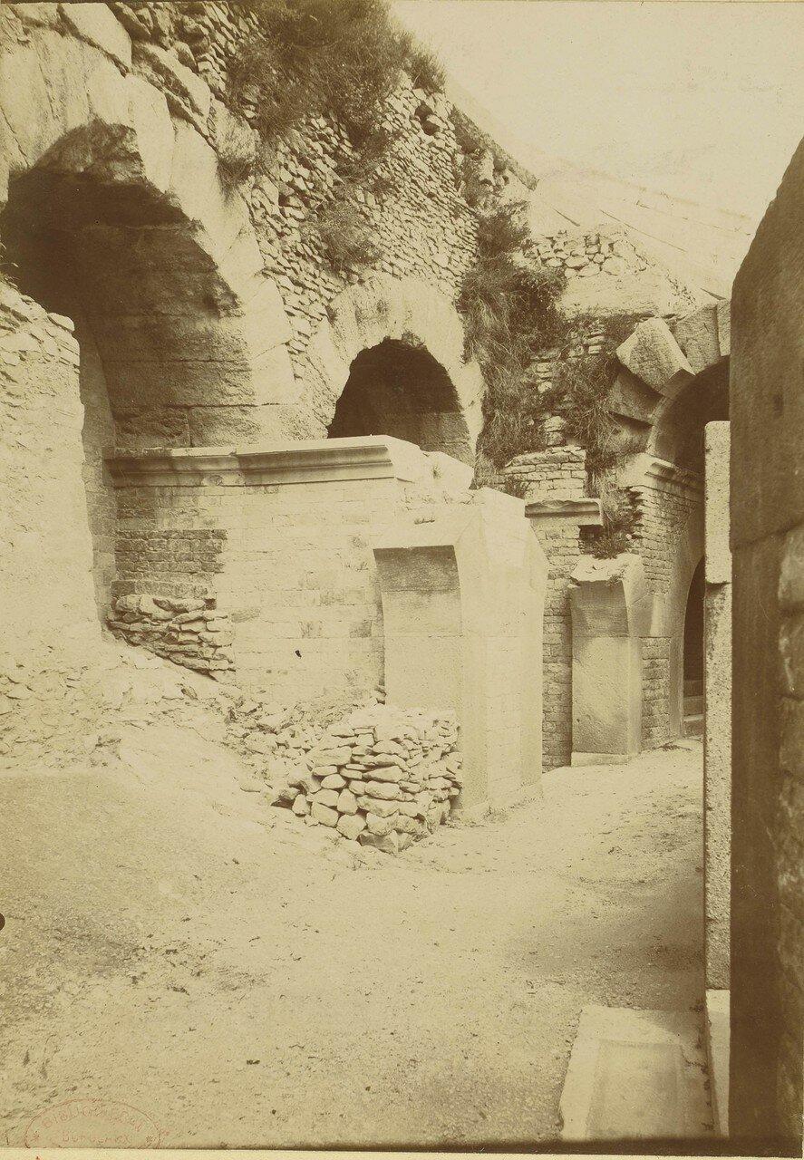 1886. 04. Галерея