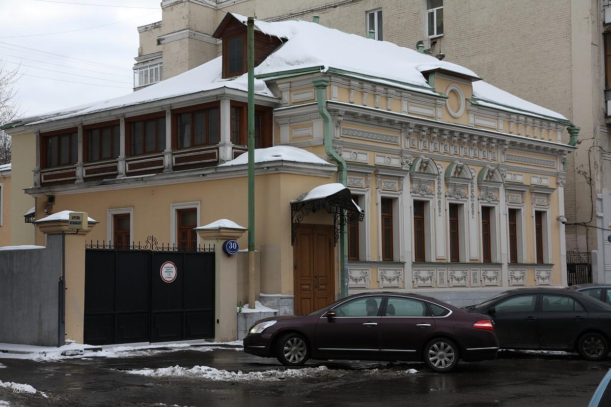 Главный дом городской усадьбы конца XVIII века