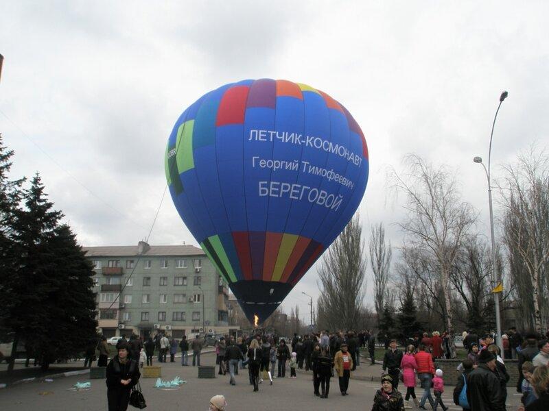 И Мустафой Найемом, разжился на шару новым бестселлером Енакиевская