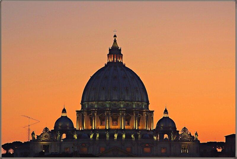 Возвышаясь над Римом...