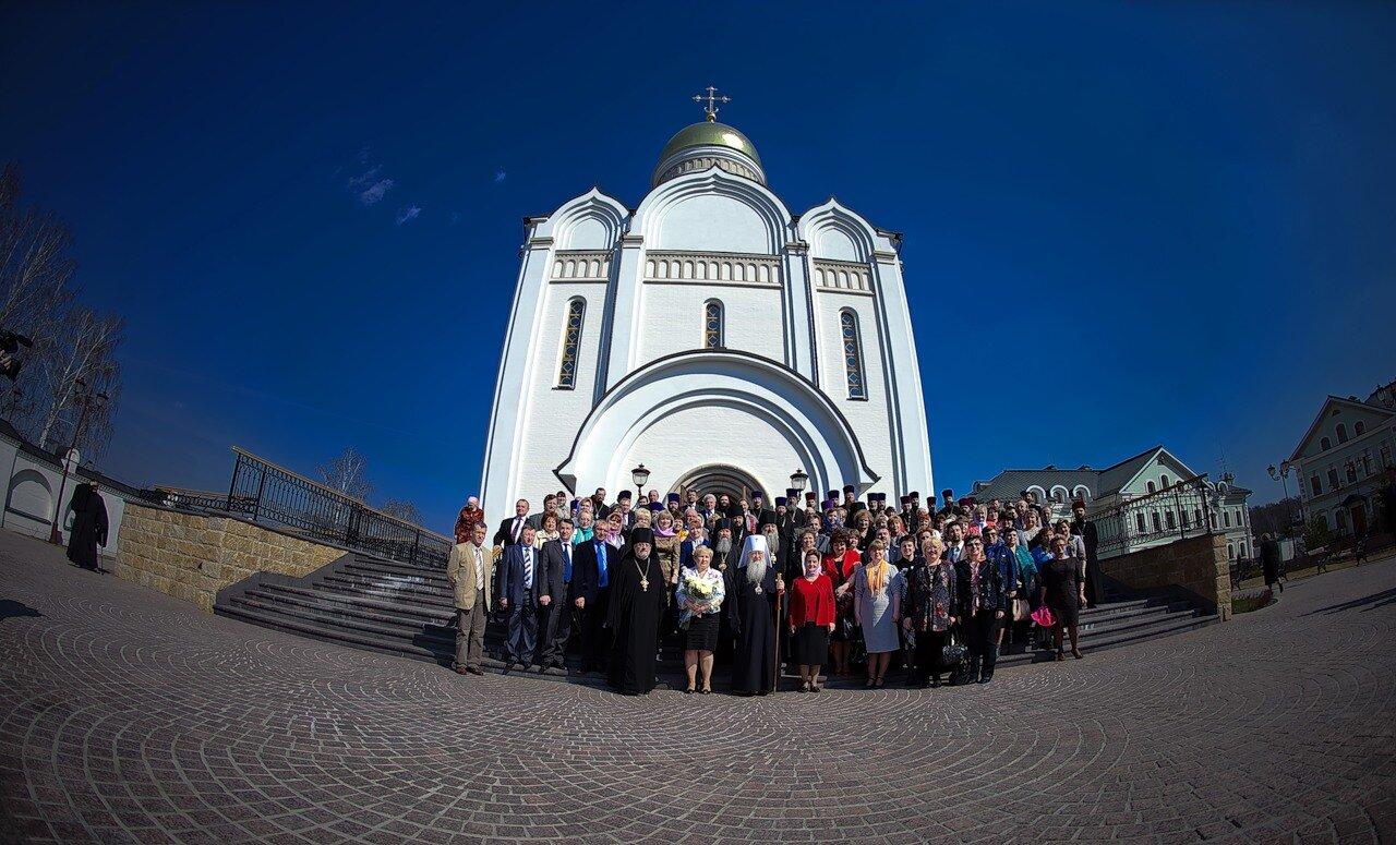 Программа визита в Одинцово Управляющего Московской епархией Русской Православной Церкви, Митрополита Крутицкого и Коломенского ЮВЕНАЛИЯ в среду Светлой седмицы 27 апреля 2011 была насыщенной и плодотворной.
