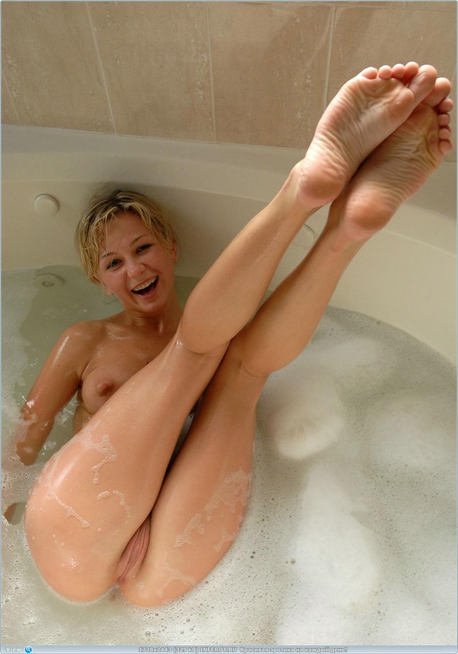 Решила принять ванну (19 фото)