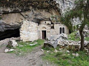 Пещерная крепость Святого Спиридона