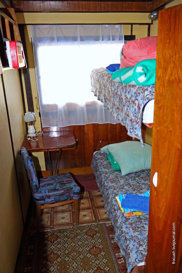 Двухместная двухъярусная каюта №38 на средней палубе теплохода «В.М.Зайцев»