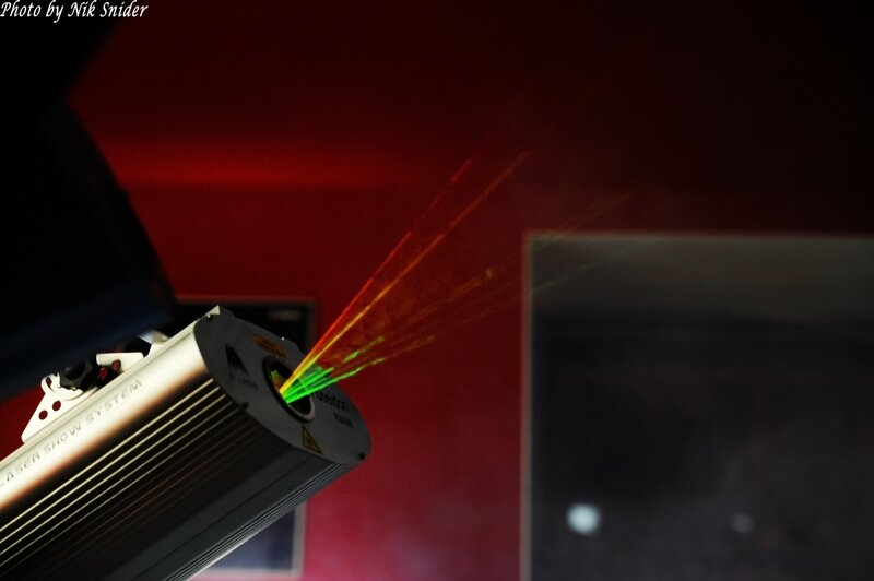 Лазерное шоу на работе