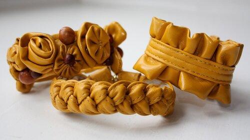 Кожаные браслеты из старой сумки.