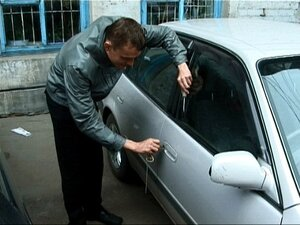Во Владивостоке работник автосервиса  угнал автомобиль своего коллеги