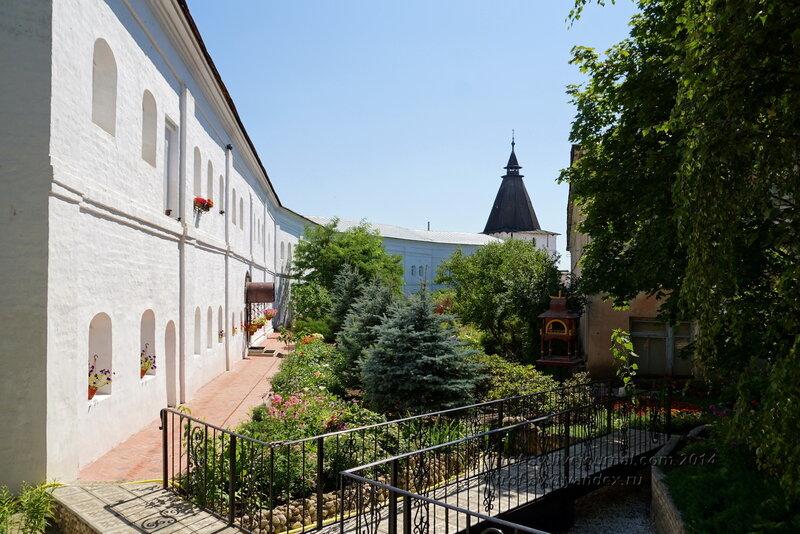 Братский келейный корпус 17 века, Свято-Пафнутиев Боровский монастырь