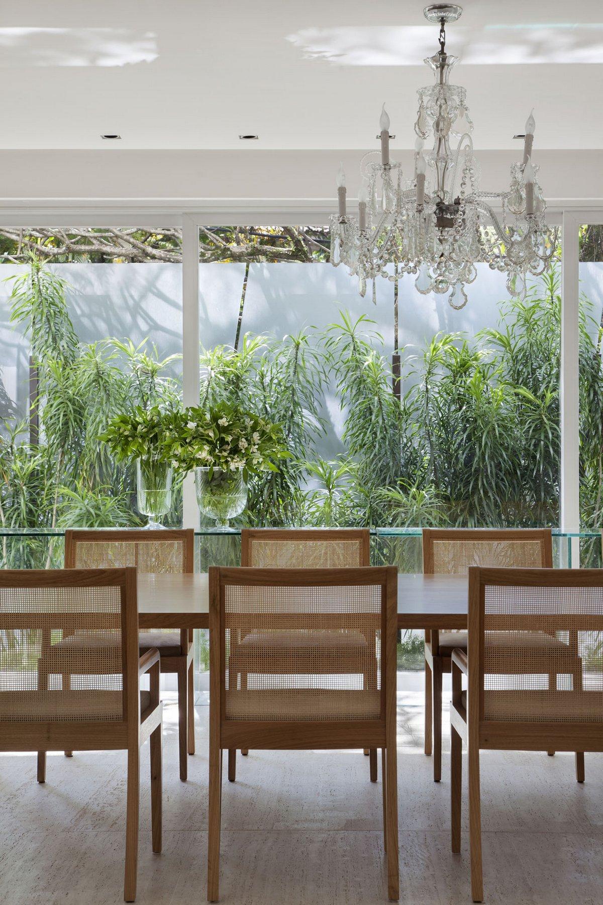 Gisele Taranto Arquitetura, Brise House, реконструкция частного дома, роскошный интерьер дома фото, обзор частного дома, элитная недвижимость в Рио