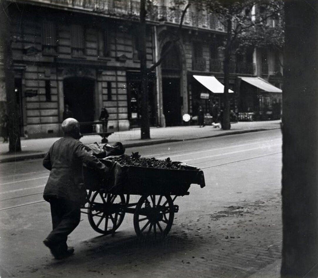 1932. Торговец
