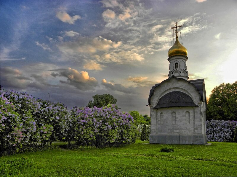 Храм-часовня Василия Великого на ВВЦ