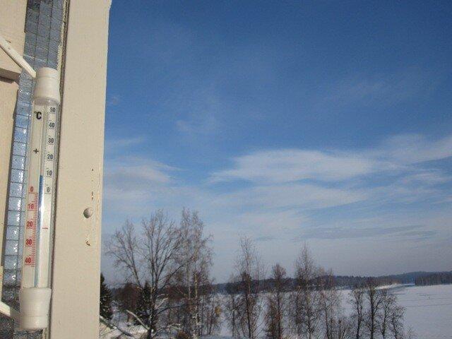 На балконном термометре в феврале в Варкаусе +10 С!