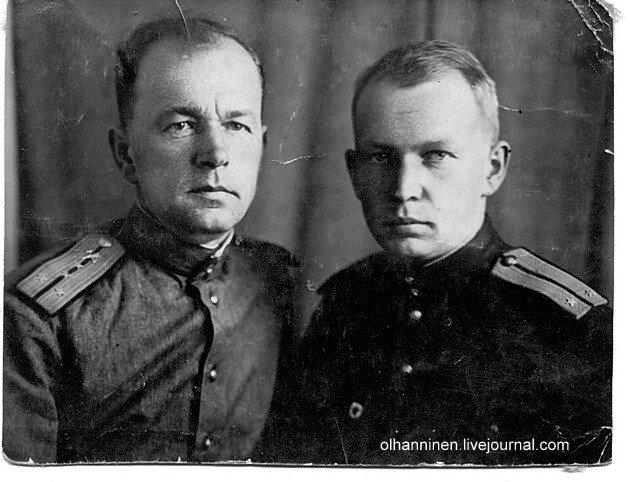 Отец и сын случайно встретились и сфотографировались в госпитале 1 мая 1944 года