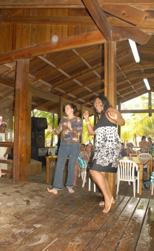 В Гондурасе танцуют все.