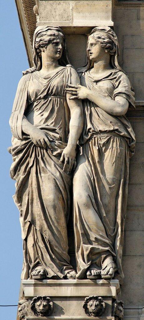 800px-Left_caryatids_Pavillon_Horloge_Louvre.jpg