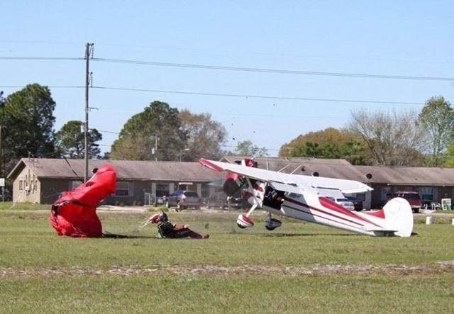 Фотографии столкновения парашютиста и самолета 0 133529 42e7af29 orig