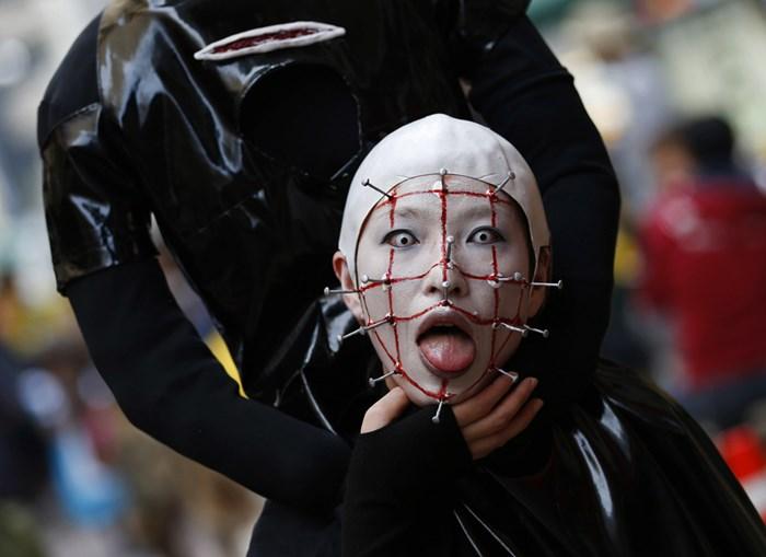 Тыквы и страшные костюмы: мир празднует Хэллоуин 2014 года 0 106aaf ca5931a6 orig