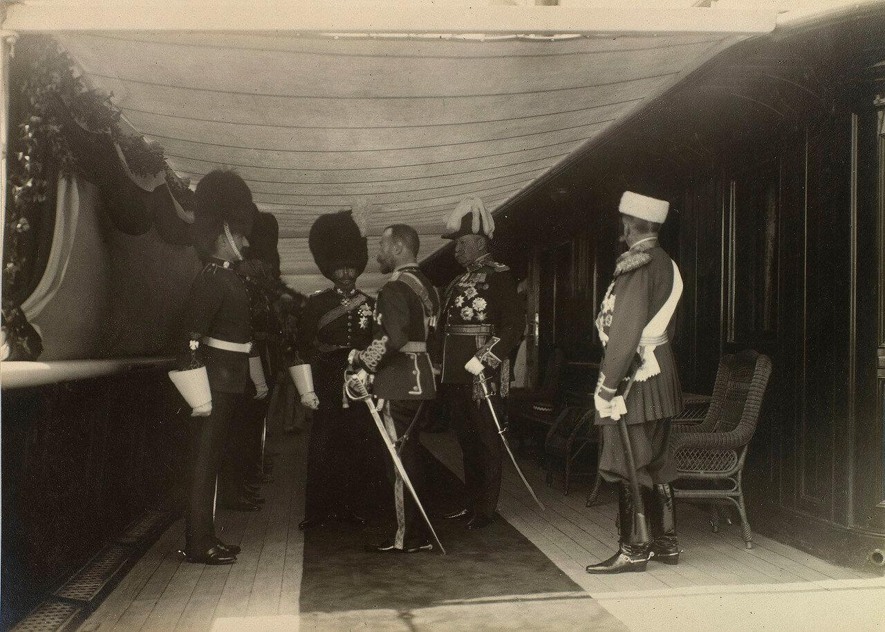29. Николай II на палубе Императорской яхты «Штандарт»