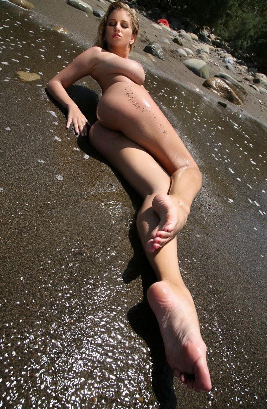 Повалялась на песочке (15 фото)
